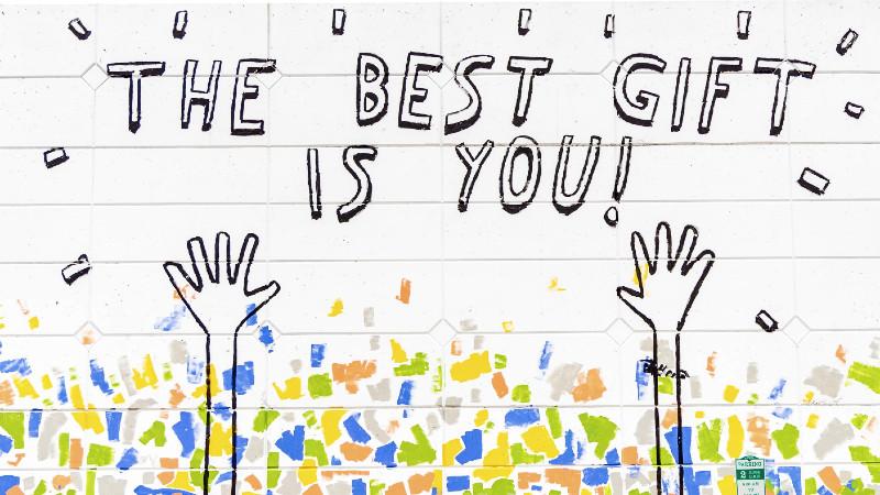 Tu eres el mejor regalo, y los psicólogos gratis de esta página te ayudan a recordarlo